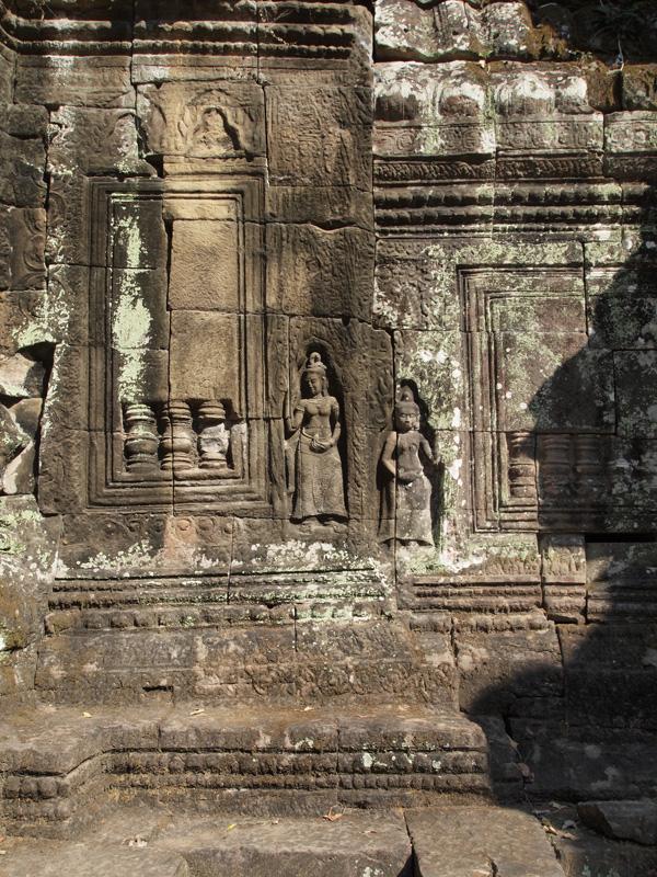 Preah Kahn 1 by Ellen Brenna